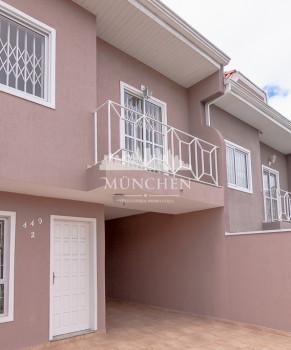 Sobrado triplex Capão raso/portão, face norte, semi-mobiliado, 3 dormitórios sendo 1 suíte, 130 m² privativos, 3 vagas de garagem próximo ao shopping pallladium