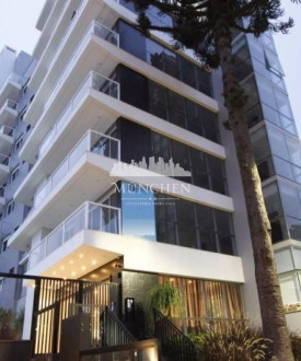 Cobertura duplex agua verde, 5 dormitórios, 3 suítes, 309m² privativos(sendo 48m² de terraço), com 3 vagas de garagem.