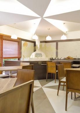 Cobertura Duplex, centro/batel, 2 suítes, 123 m² privativos, ensolarado, 2 vagas de garagem.
